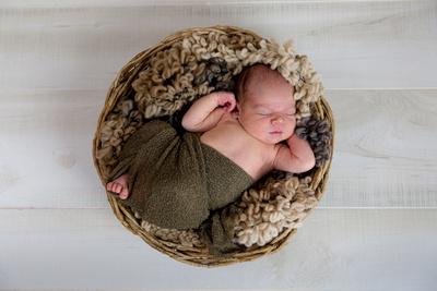 """""""Newborn Photography"""", """"Newborn Photographer"""", """"Newborn Photos"""", """"Basket Pose"""", Aurora, Denver, Colorado, Portraits, """"Studio Photography"""", Portrait, Photography, Newborn"""